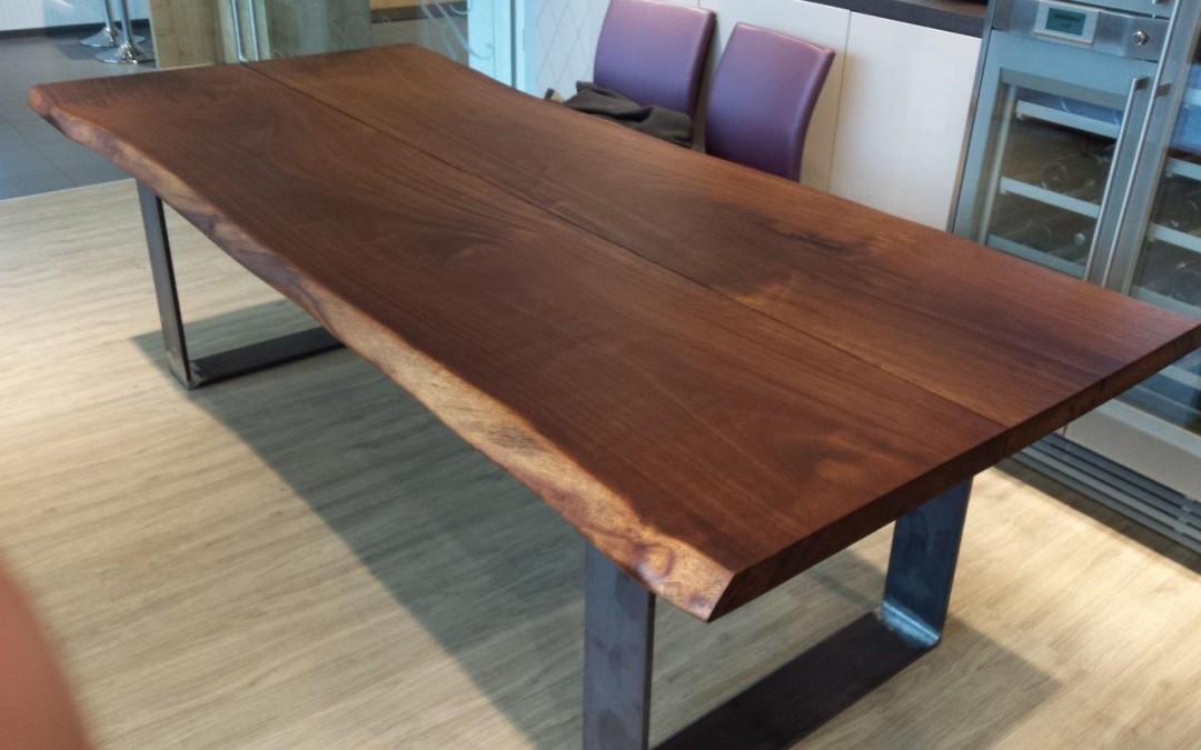 mainTisch Merbau Schreibtisch Esstisch Maßtisch Masstisch Schreiner Tisch bauen Stahlkufe Rahmengestell 3