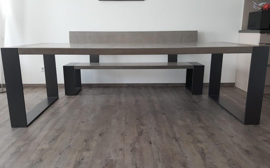 mainTisch-Beton-Tisch-Betontisch- Sitzbank -massTisch-Schreibtisch-Esstisch-Stahlrahmen-mainTisch-