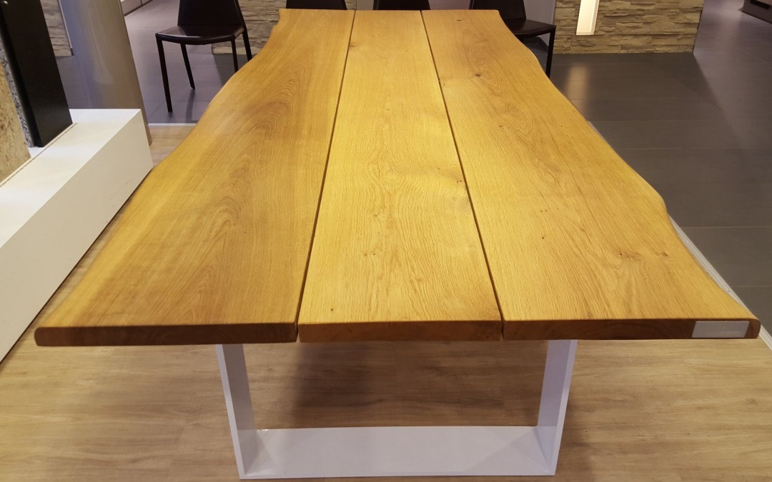 mainTisch Masstisch Esstisch Massivholztisch Esszimmertisch Schreibtisch Eiche massiv Bohlen Stahl Gestell 3