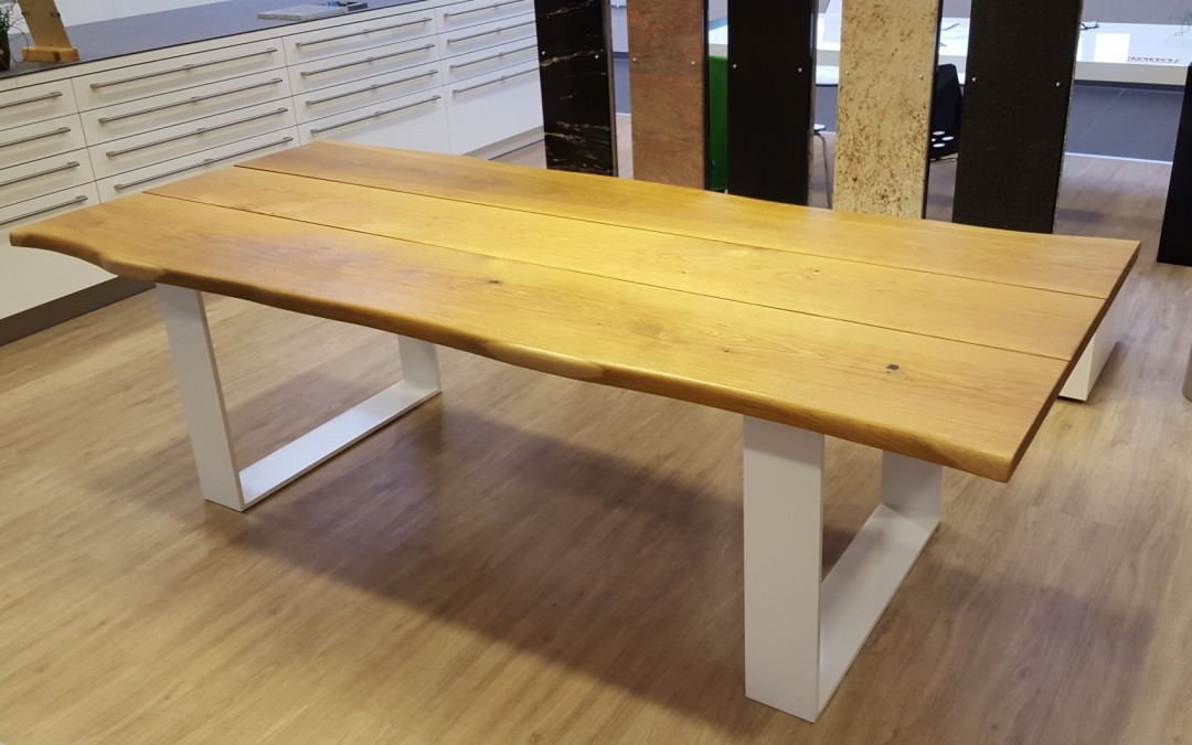 mainTisch Masstisch Massivholztisch Esstisch Esszimmertisch Schreibtisch Eiche massiv Bohlen Stahl Gestell 1