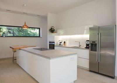 mainTisch Beton Küche