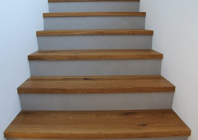 mainTisch Betontreppe Holz 11