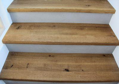 mainTisch Betontreppe Holz 12