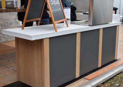 mainTisch Sanne living Aussenküche Beton L Form mainGrill (3)